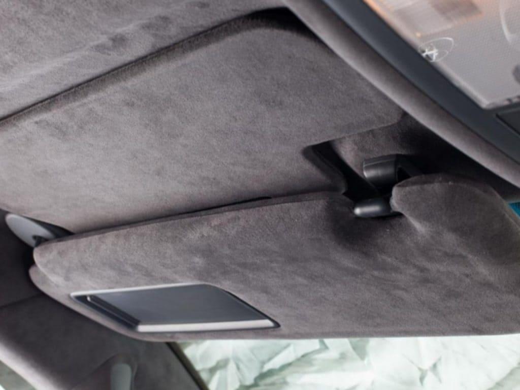 Перетяжка потолка авто алькантарой